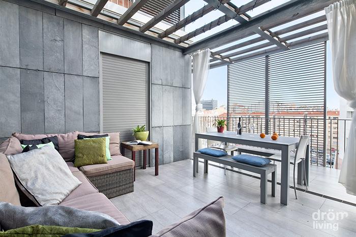 Tico minimalista y cosmopolita en barcelona bjc - Aticos en barcelona ...