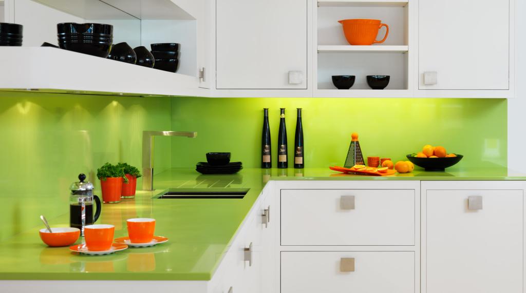 Cocina, cómo usar el color Greenery de Pantone en interiorismo y decoración