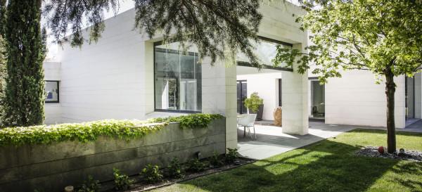 exterior-reforma-una-casa-con-exito-como-freehand-arquitectura