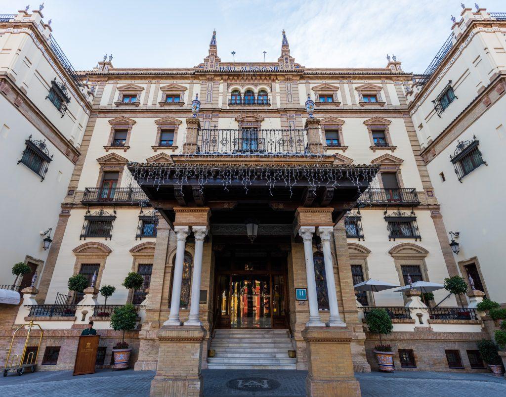 Hoteles de cinco estrellas de arquitectura singular bjc for Arquitectura de hoteles